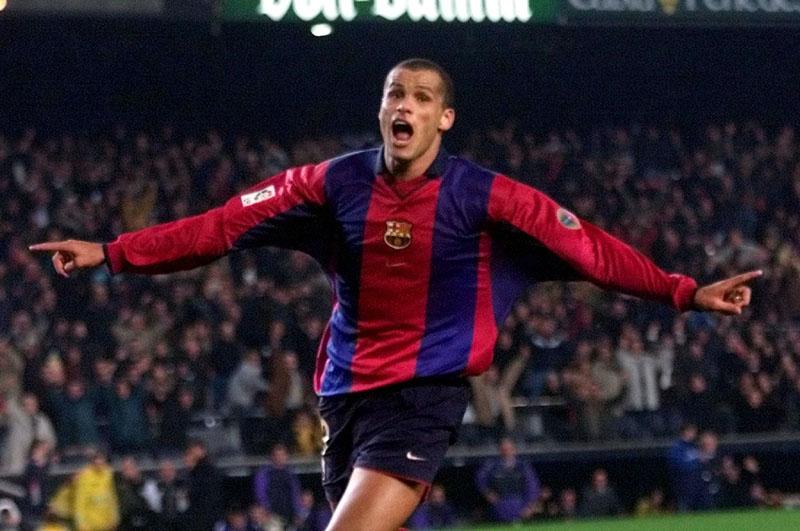 Rivaldo con el FC Barcelona - Rivaldo: l'umile che conquistò il mondo